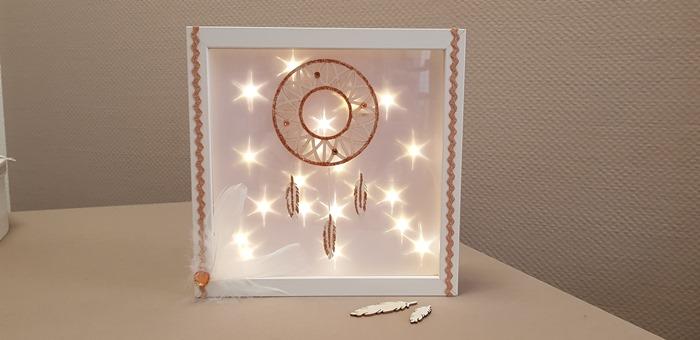 Leuchtrahmen mit Traumfänger