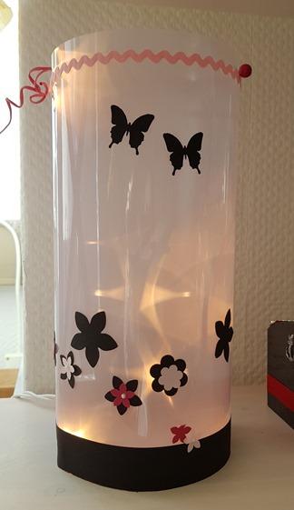 Lampe Scherenschnitt Schmetterlinge