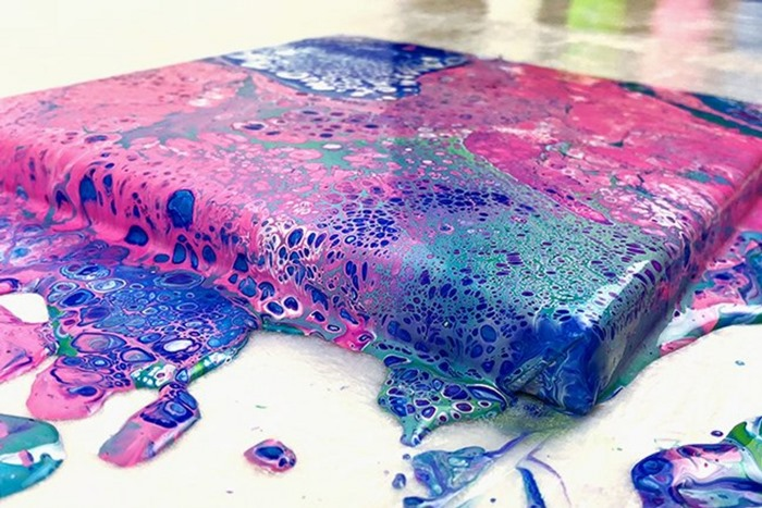 Pouring pink-blau